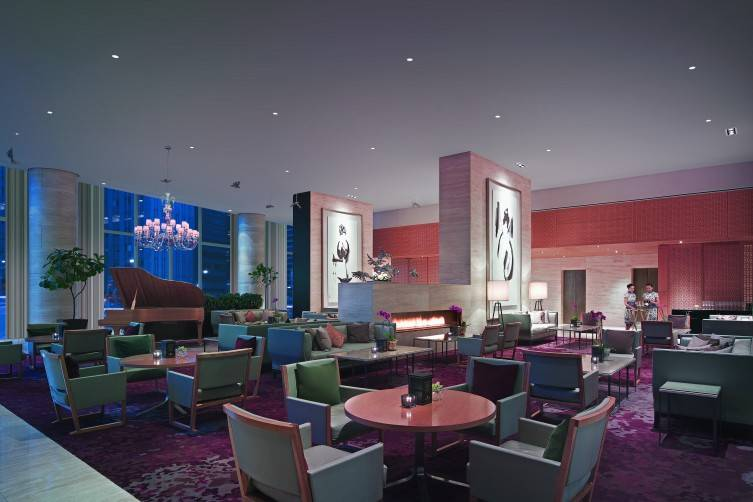 3 Lobby Lounge
