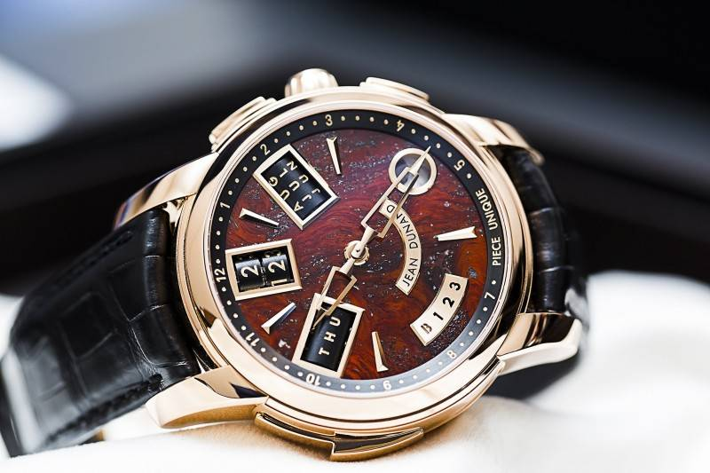 Jean-Dunand-Shabaka-2015-Red-Watch-Baselworld
