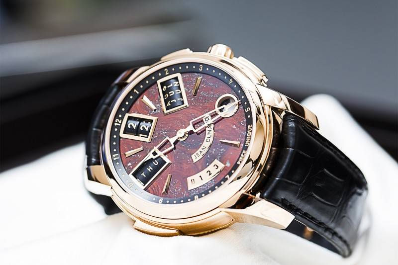 Jean-Dunand-Shabaka-2015-Red-Watch-Baselworld-angle