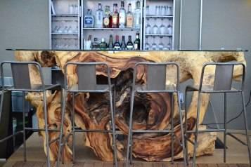 Sam's Seafood Alley bar