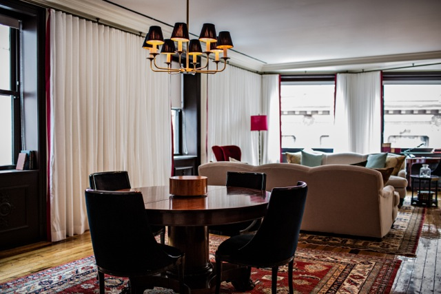 Suite Royale - Living & Dining Room