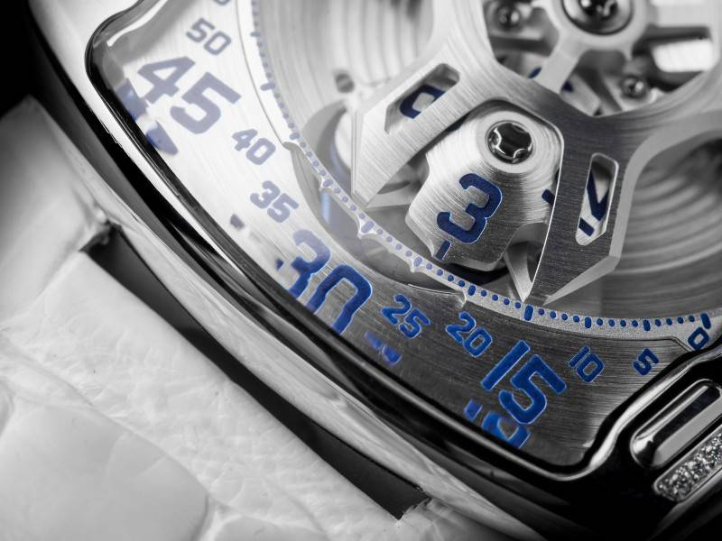 Urwerk-UR-106-Lotus-Ladies-White-Watch-2015-Close-Up