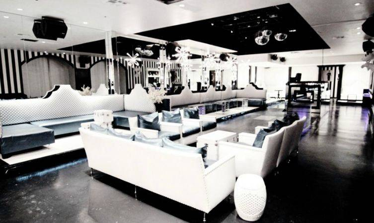 Luxx, located right downtown, is the Mecca of luxury for Dallas' elite.