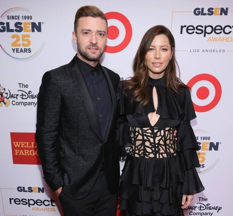Honorees Justin Timberlake (L) and Jessica Biel attend the 2015 GLSEN Respect Awards