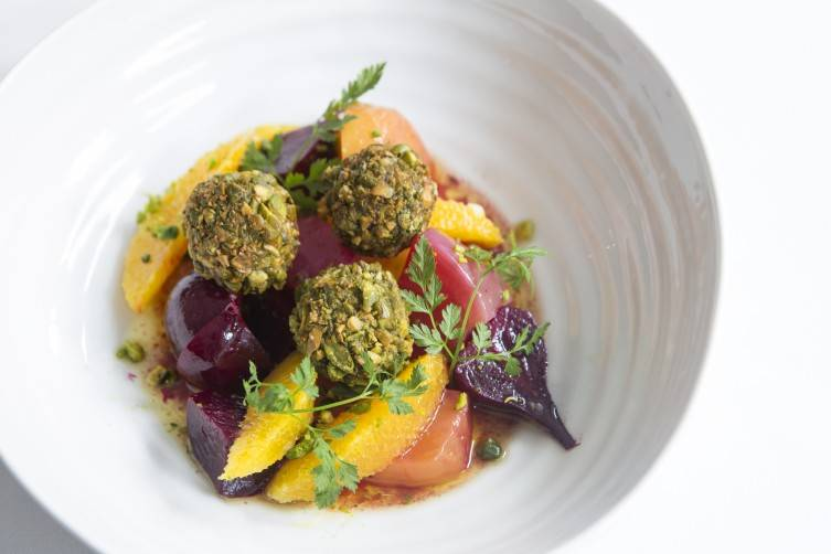 Beetroot and goats cheese salad with pistachios and orange