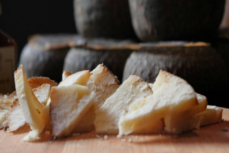 It's not Paris or Rome but there are a few really good cheese shops in Dallas Fort Worth.
