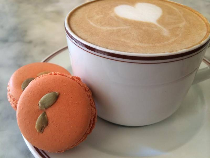 Pumpkin macarons and a pumpkin latte
