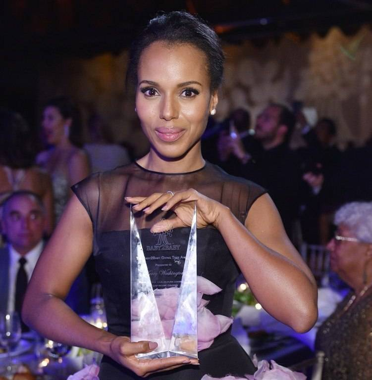 Kerry Washington attends the 2015 Baby2Baby Gala