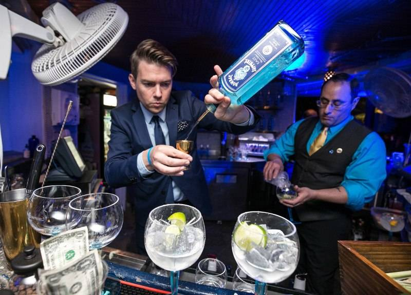 LuckyRice Miami Festival Male Bartender
