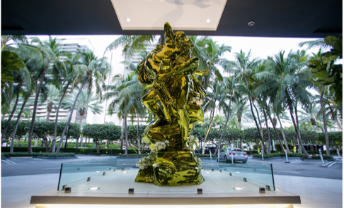 JEFF KOONS SCULPTURE AT BAL HARBOUR SHOPS