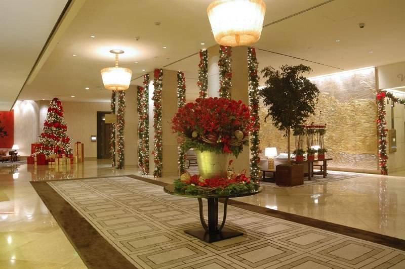The Beverly Hilton Lobby Christmas Tree