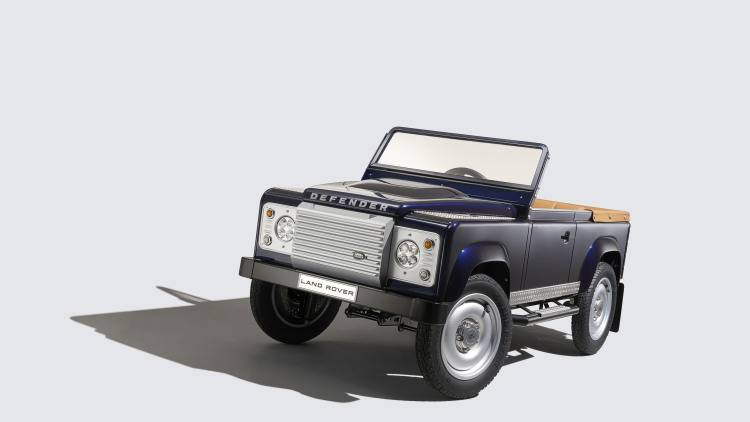 land-rover-defender-pedal-car-003-1