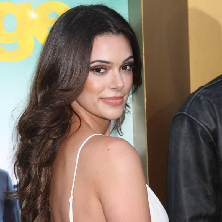 Quantico Star Anabelle Acosta Share Her Haute LA Secrets