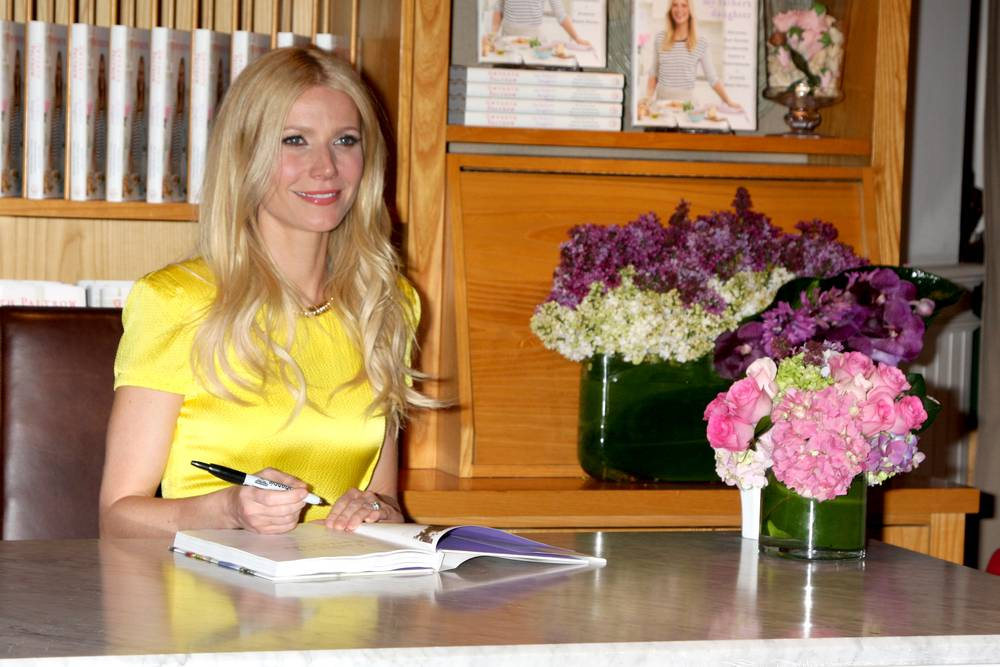 """Gwyneth Paltrow at event for her book """"My Father's Daughter: Delicious, Easy Recipes Celebrating Family & Togetherness"""" at Williams-Sonoma on April 21, 2011 in Beverly Hills, CA.."""