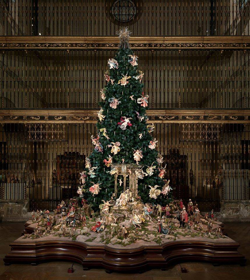 OverTheTop Christmas Trees In London And NYC