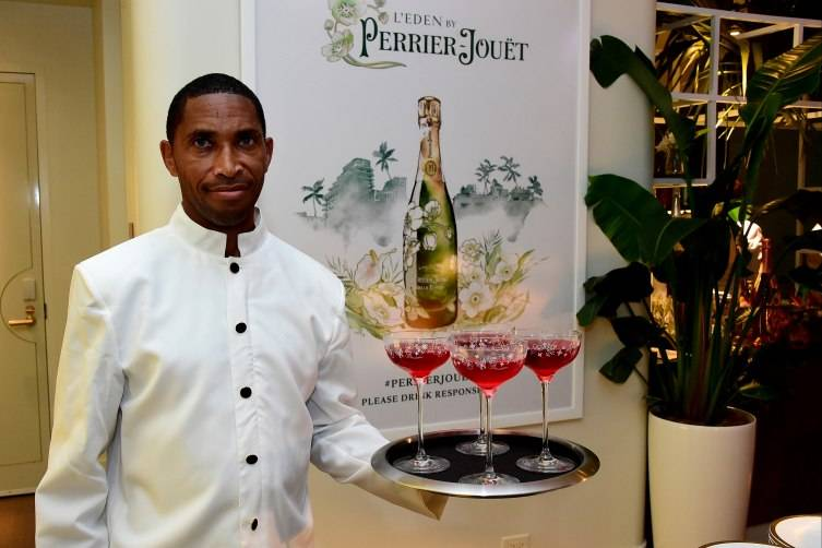 VNH Gallery Dinner With Victoire de Pourtales At L'Eden By Perrier-Jouet
