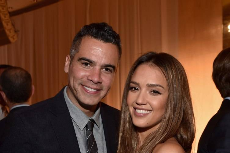 producer Cash Warren (L) and Grace Kelly Award recipient Jessica Alba