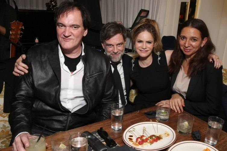 Quentin Tarantino Celebrates The Hateful Eight 2