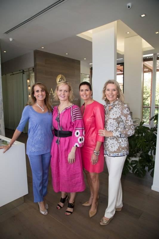Ana Cristina Defortuna, Kara Ross, Darlene Pérez, Kathy Mitchell