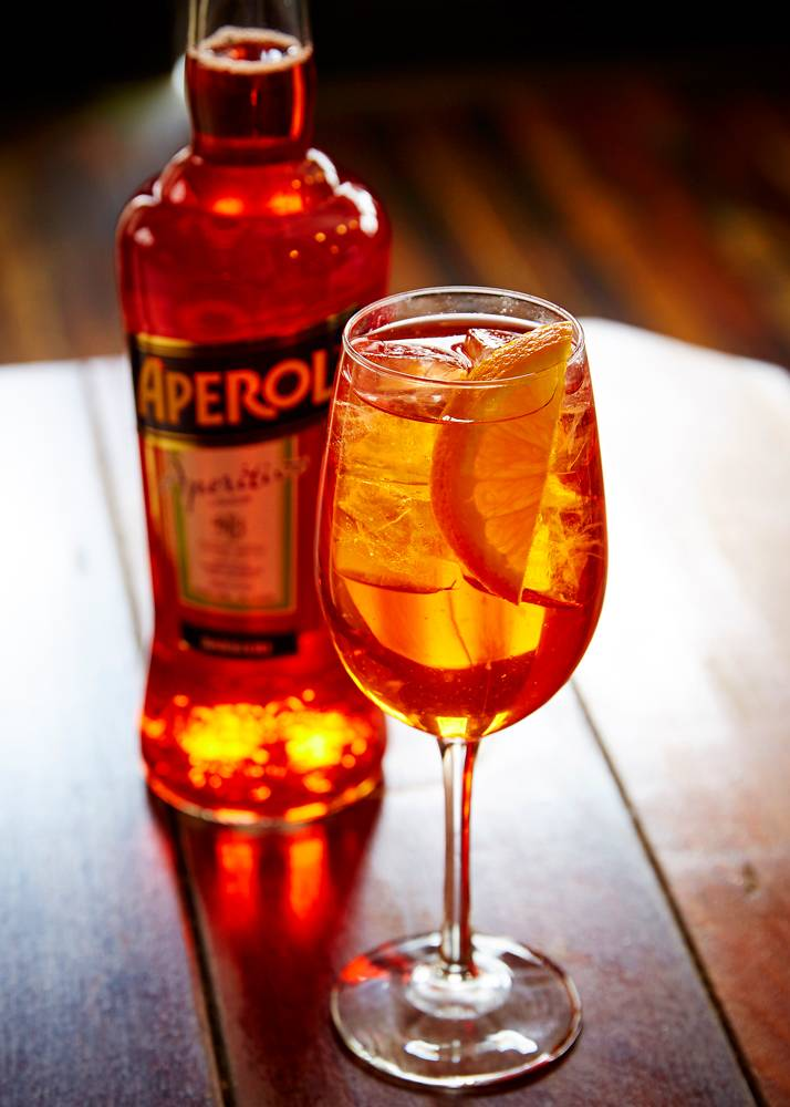 Aperol Spritz w. Bottle 2- web
