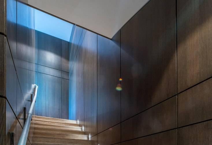 Custom oak stairwell
