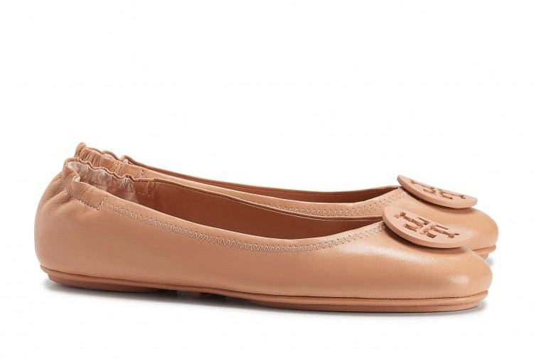 Tory Burch Minnie Travel Ballet Flats in Light Oak