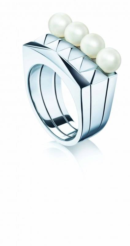 Birks Rock & Pearl collection ring