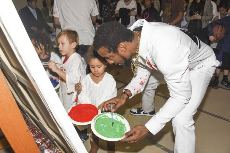 Amar'e Stoudemire attend Amare Stoudemir'e And Melech Collection Present 'In the Paint' Series #1 With Retna At Pan Pacific Park at North Gym on January 12, 2016 in Los Angeles, California.