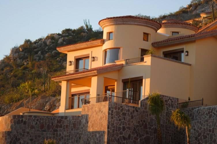 montecristo_villa_external