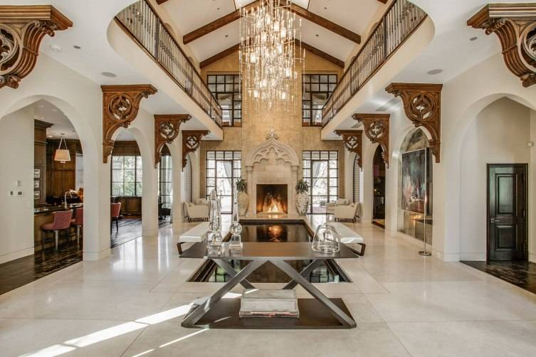 Story Grand Foyer : Inside this magnificent dallas estate on exclusive turtle