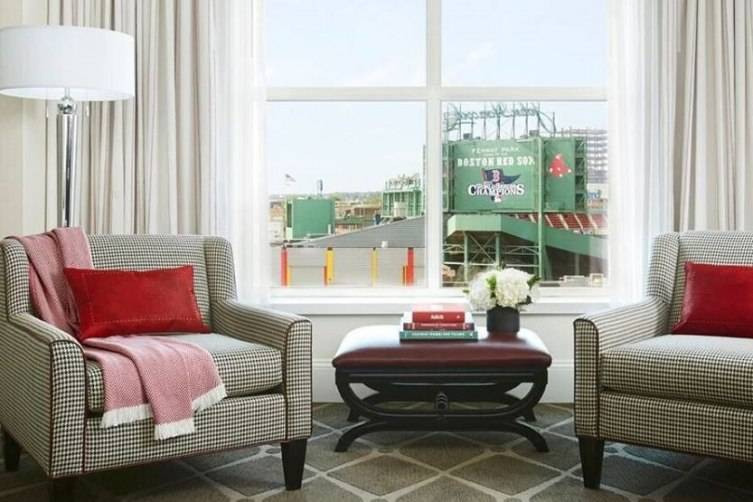 Hotel Commonwealth Room