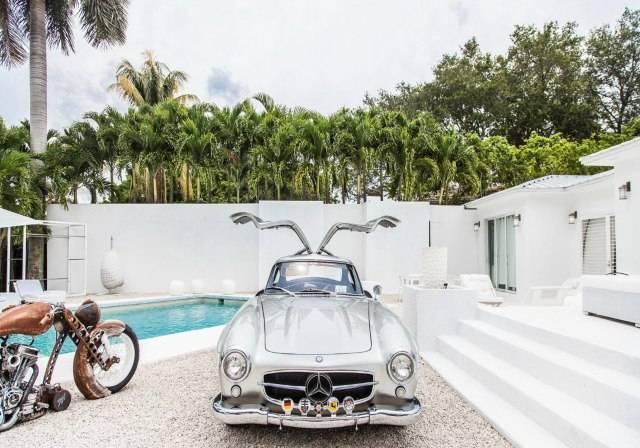 Mercedes Gullwing SL 300