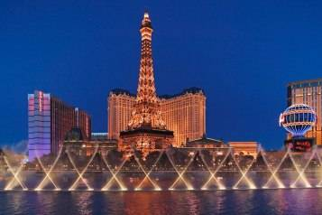 eiffel-tower-paris-las-vegas-hotel-casino-wallpaper-1056