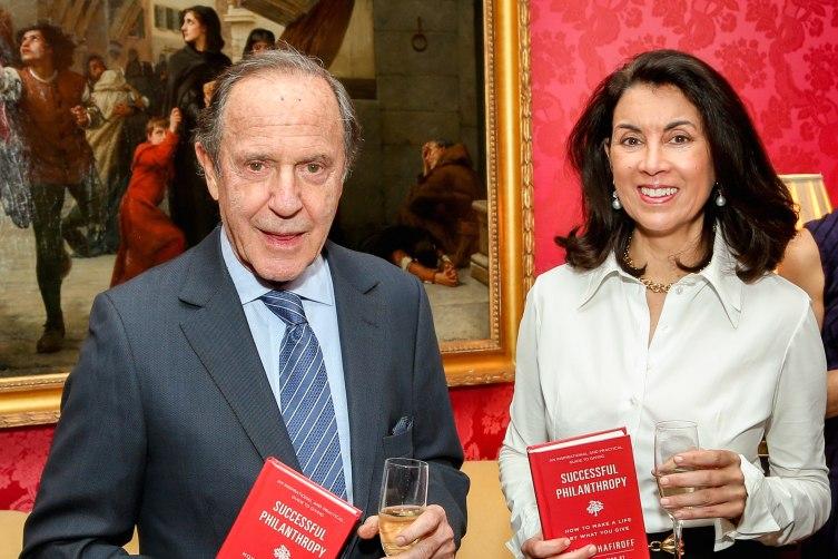Mort Zuckerman, Clara Del Villar