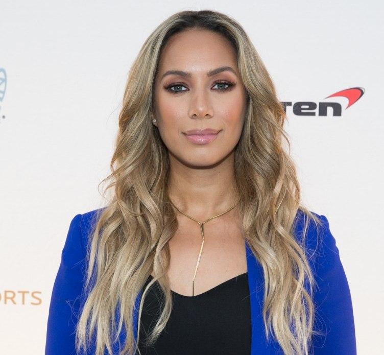 GRAMMY-nominated singer-songwriter Leona Lewis walks the blue carpet at 'One Night for ONE DROP' 2016_Erik Kabik