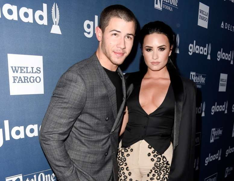 Recording artist Nick Jonas (L) and honoree Demi Lovato attend the 27th Annual GLAAD Media Awards