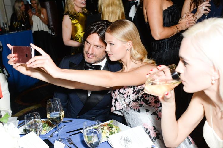 Vita Sidorkina and friend take a selfie.