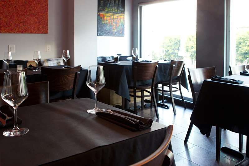 144853-int.dining_room_upstairs-2