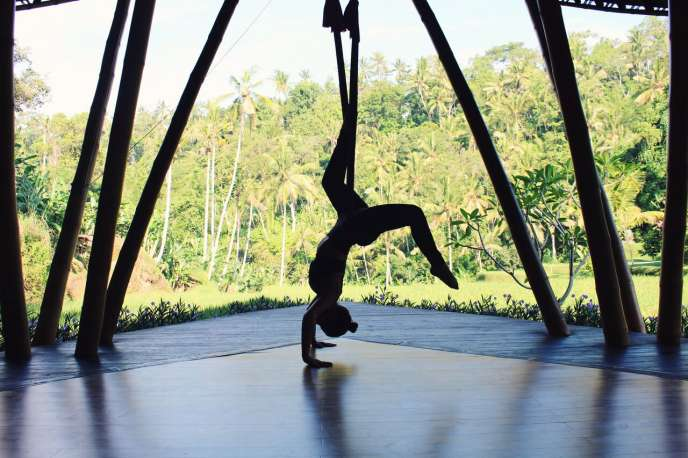 FOUR SEASONS UBUD ANTIGRAVITY YOGA