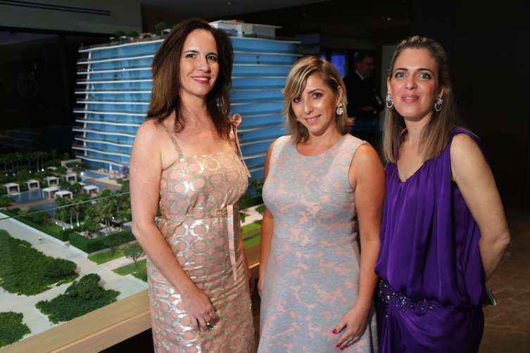 Patricia Alves, Paulina Vayner, & Sandrine Camagie1