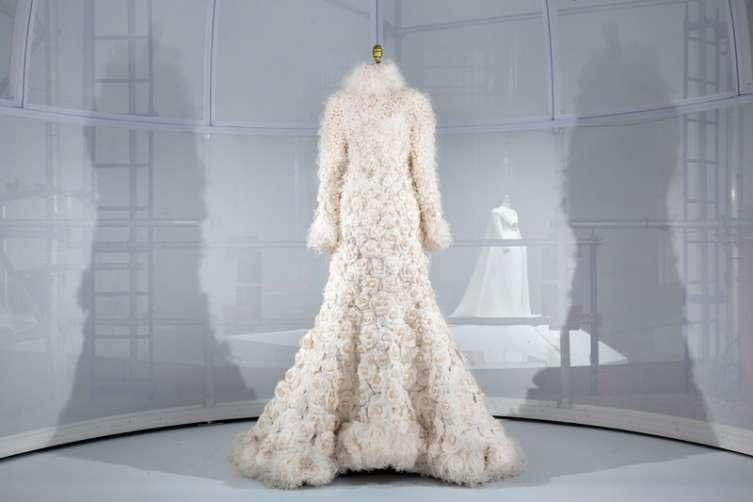 Artificial Flowers CaseStudy,Chanel Wedding Ensemble