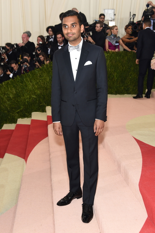 Aziz Ansari in Tommy Hilfiger. Photo: Jamie McCarthy/Getty Images