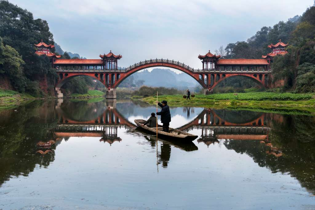 Vacheron-Constantin-Steve-McCurry-Leshan-China-2_1167841-1024x682