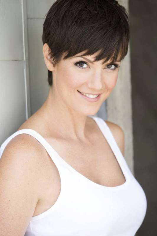Zoe McLellan headshot