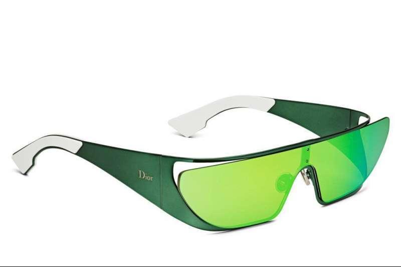 rihanna-dior-sunglasses-green-1024x680