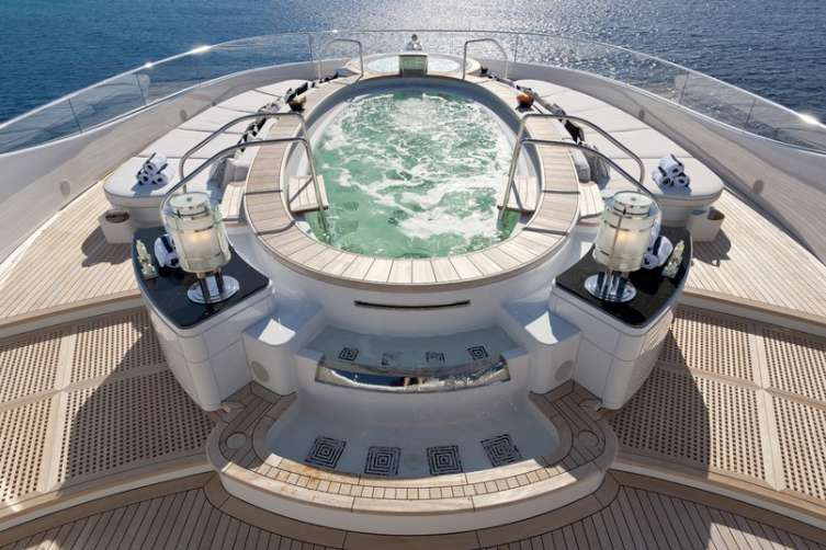 tour-new-york-art-deco-themed-superyacht-worth-millions-04