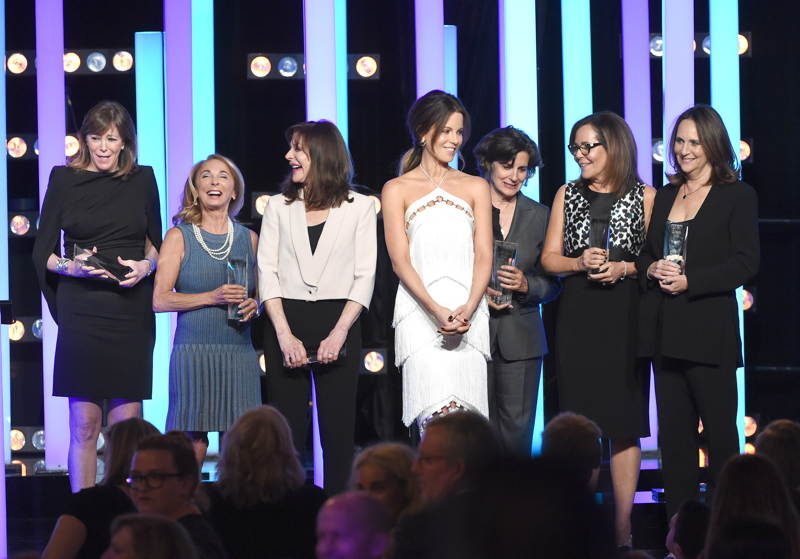 Actress Kate Beckinsale (C) poses with Crystal Award for Excellence in Film honorees (L-R) Jane Rosenthal, Lynda Obst, Lauren Shuler Donner, Lianne Halfon, Denise Di Novi, and Lucy Fisher