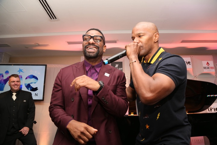 Jamie Foxx singing happy birthday to DJ IRIE during the #InspIRIE Gala dinner
