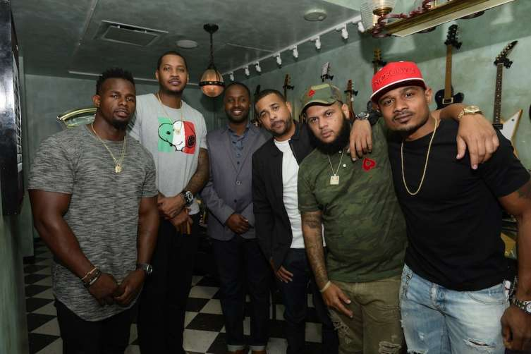 Carmelo Anthony and teammates