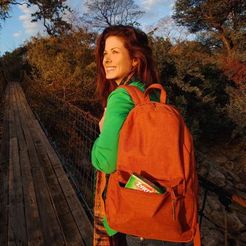 rere Thanks to Zyrtec, Debra Messing is all smiles, no sneezes on safari in Africa_2